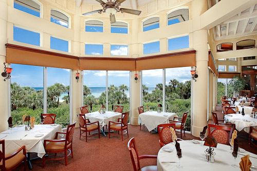 Dining at the Beach Club, Bay Colony, Naples, Florida © Rick Bethem